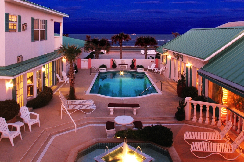 Island Cottage Oceanfront Villa Inn, Cafe' and Spa 386-439-0092