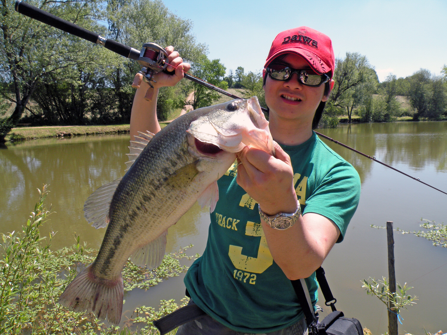 Pic. 3. My first 'Midi-Pyrenean' largemouth bass on finesse jig.
