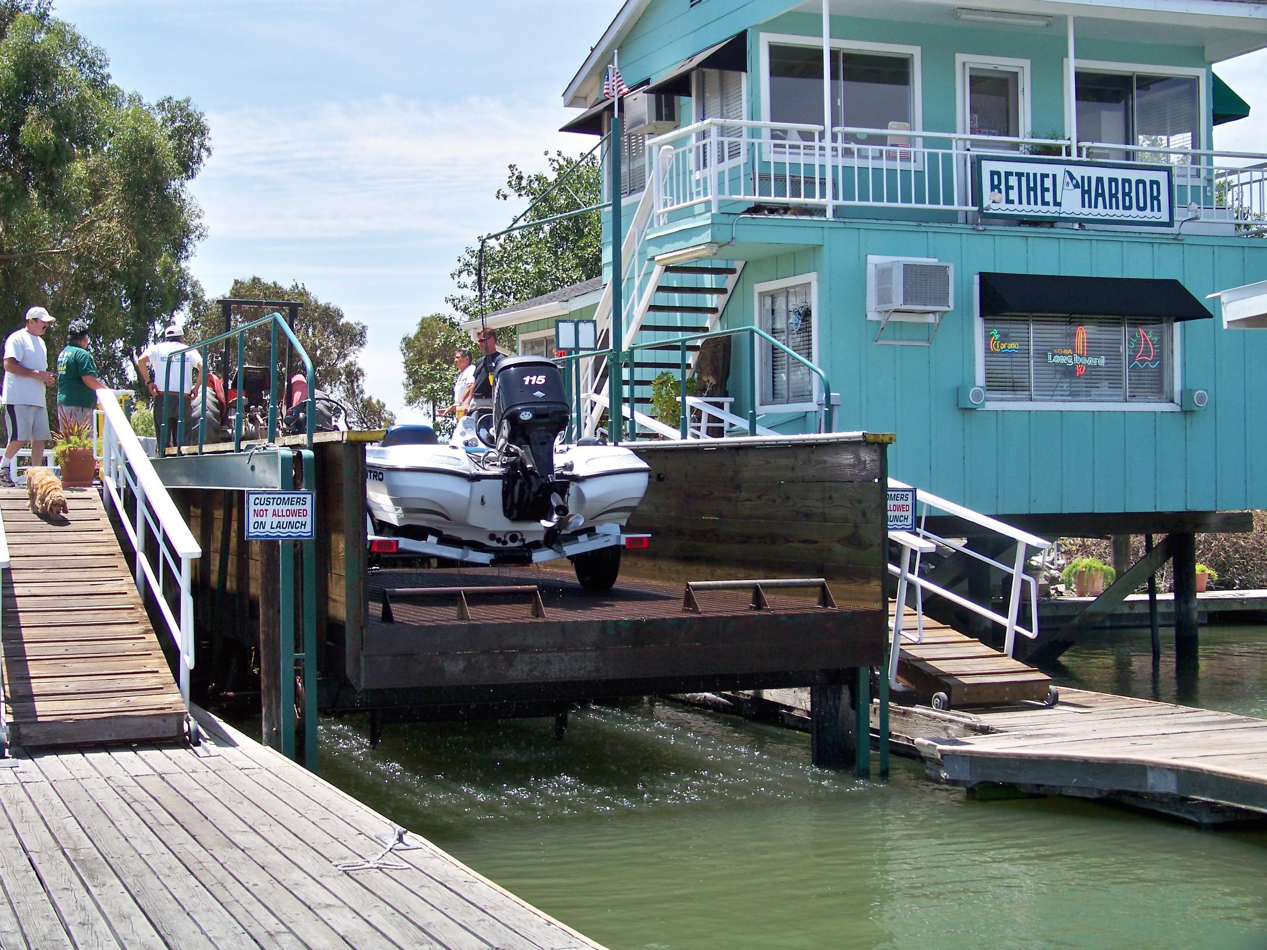 Boat launch Bethel Island Harbor