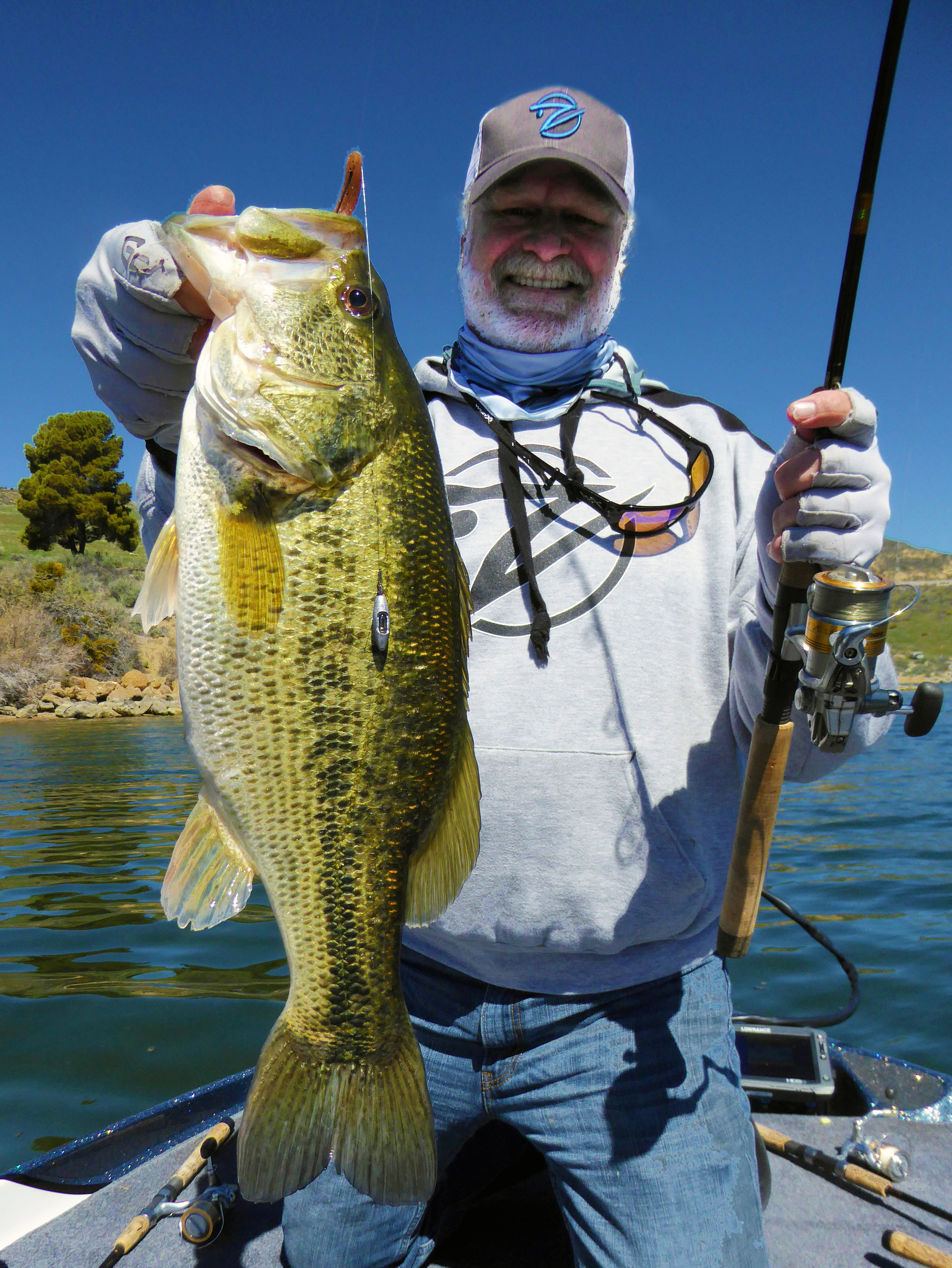 A chunky tournament quality keeper bass takes the Speed-Shot. Note the exclusive Ventana, the world's only internal rattling drop-shot weight.