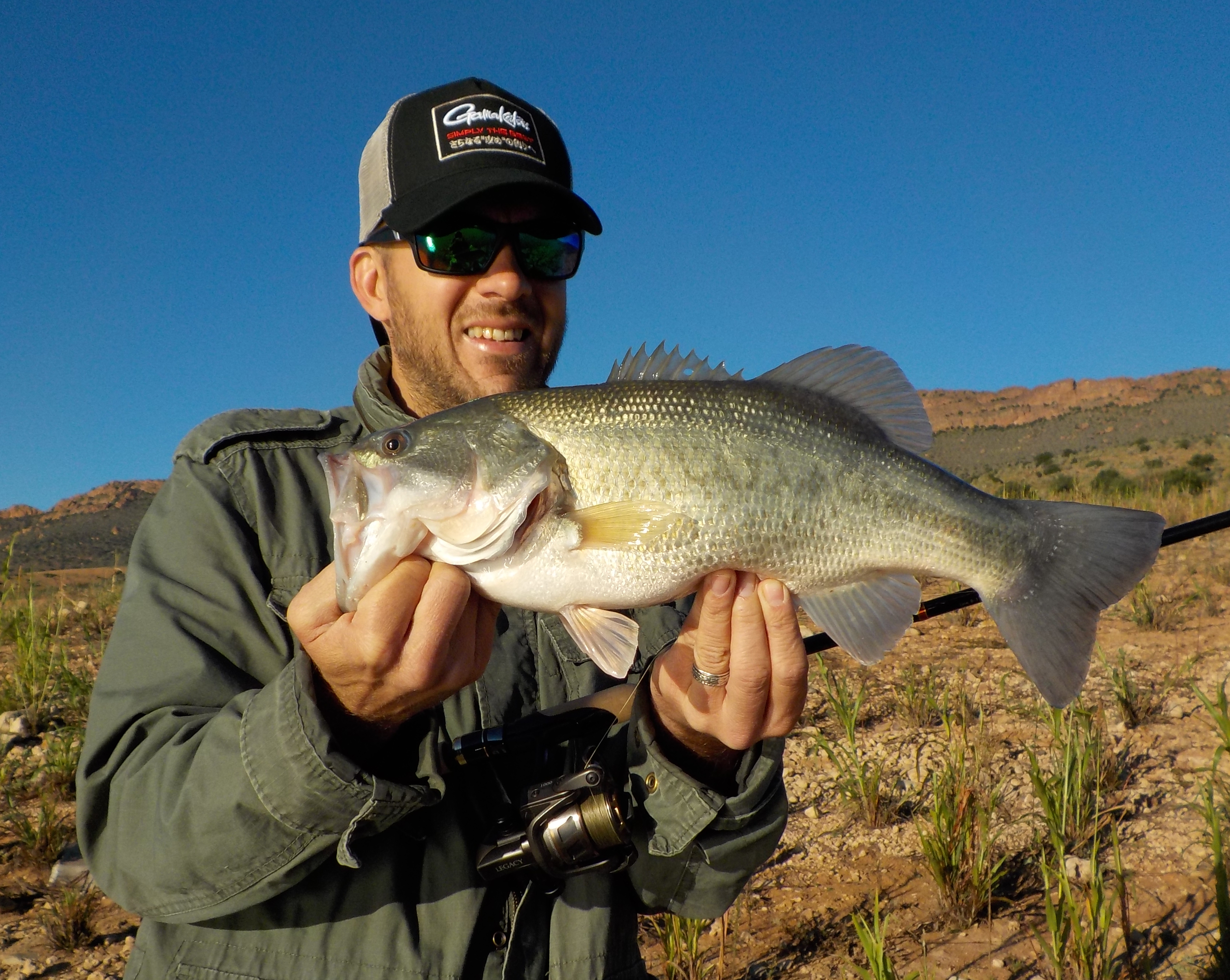 """My first bass of the reckoning trip caught with my new SURVERY rod from Gamakatsu on a c-rig with a 7,5"""" black/green tail worm from Bass Assassin."""