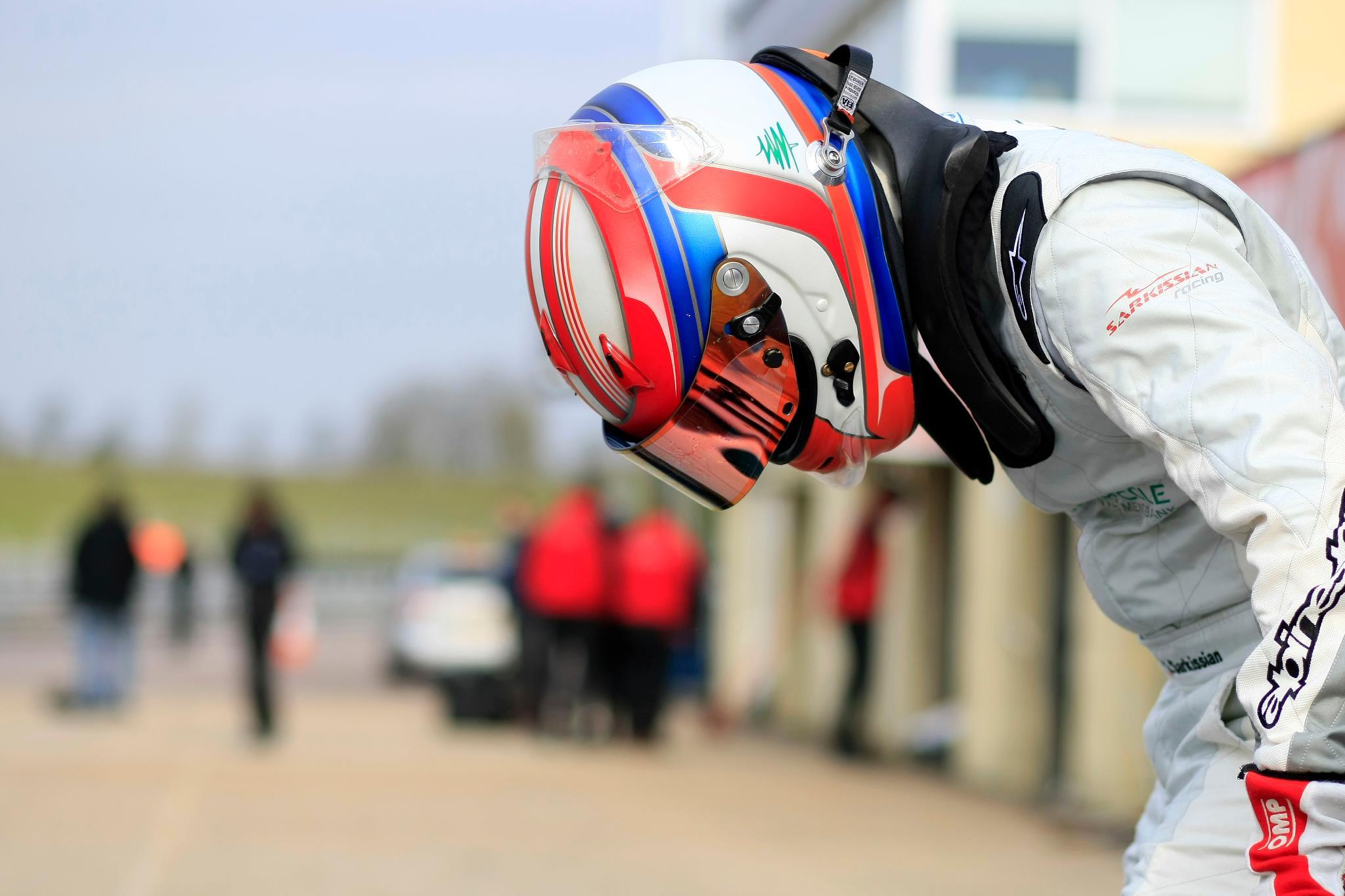 Helmet design for   Shahan Sarkissian (LEB) MTech Lite Formula Renault BARC