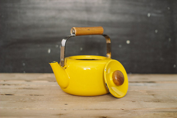 Yellow Enamel Kettle  Queen Esthers Junque $24.00 at Etsy