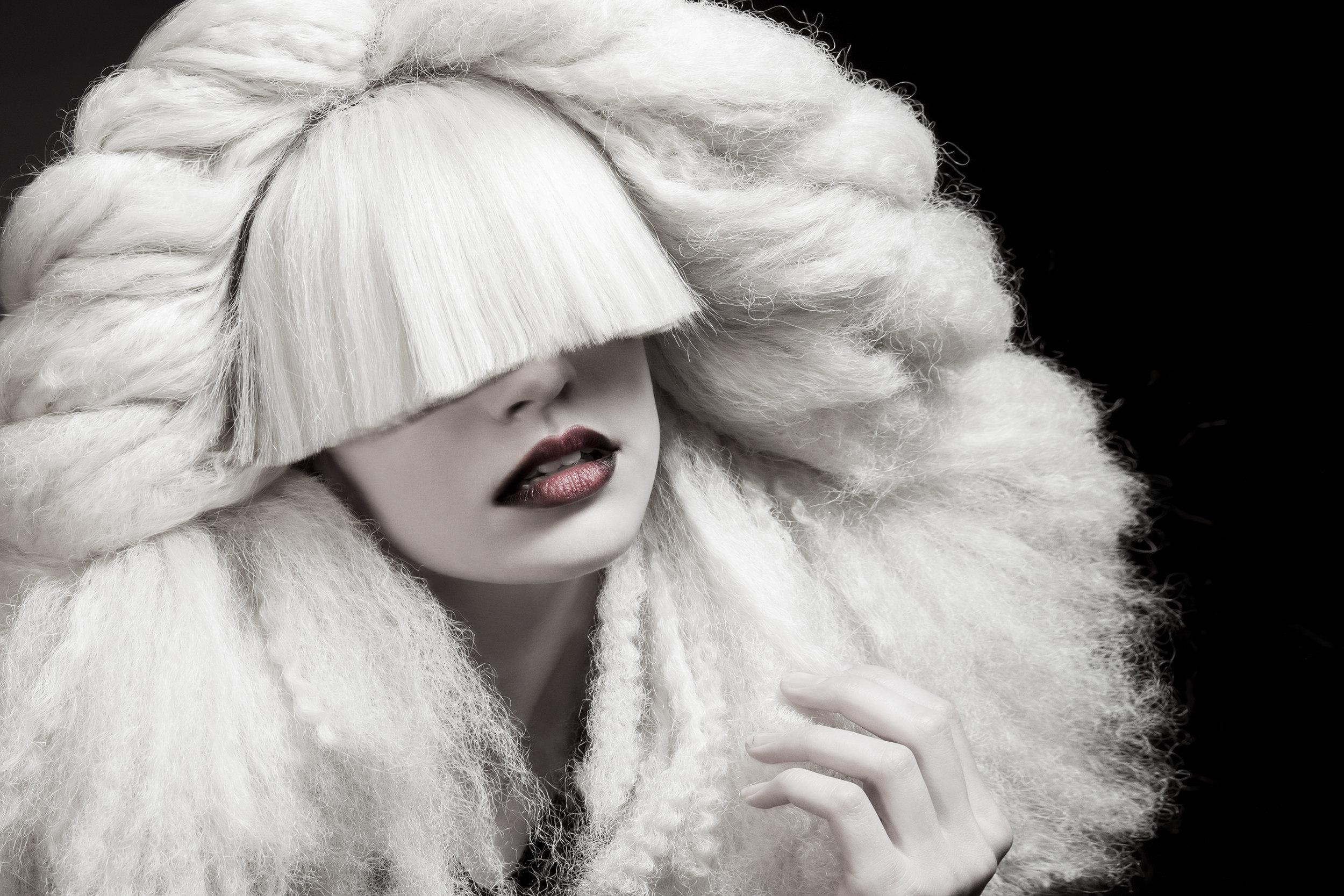fashion-edgy-editorial-dark-gothic-bighair-platinum-blonde-moody-leather-sleek-black-beuty-hombre-makeup-redlip07.jpg