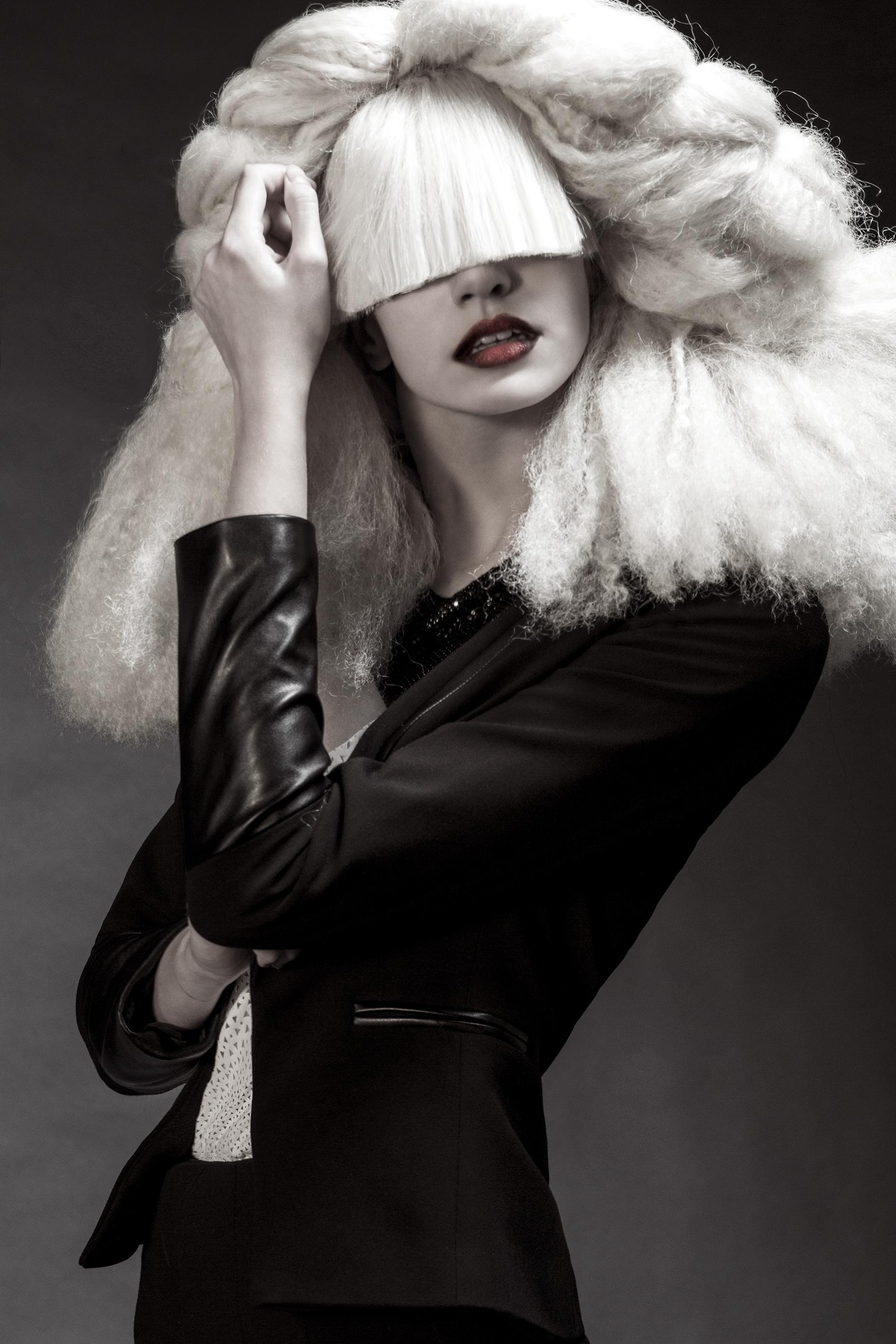 fashion-edgy-editorial-dark-gothic-bighair-platinum-blonde-moody-leather-sleek-black-beuty-hombre-makeup-redlip08.jpg