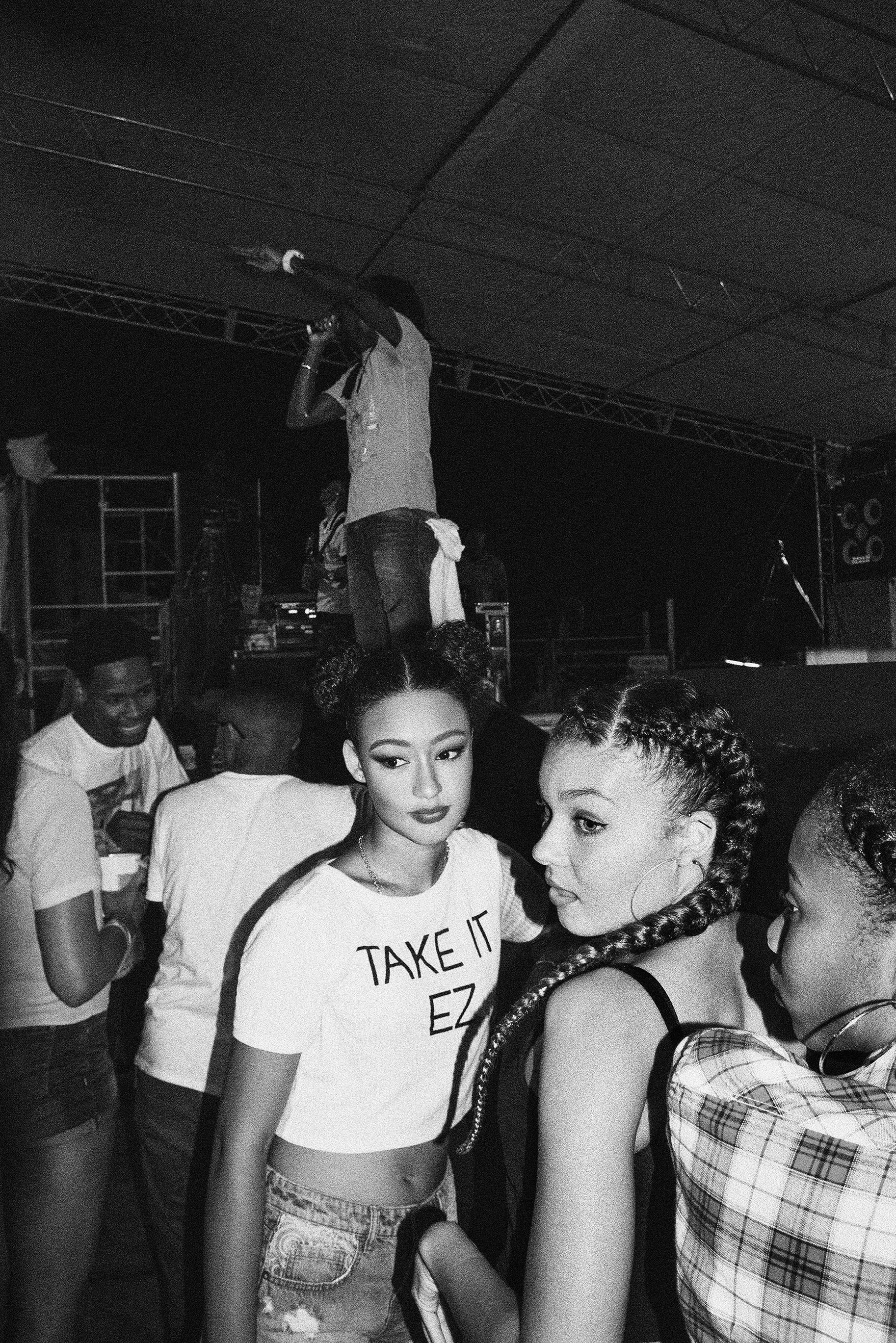 editorial-fashion-chic-edgy-flash-blackandwhite-contrast-islandgirl-carnival-festival-urban-naturalhair-flygirl-mixedchic-_04.jpg