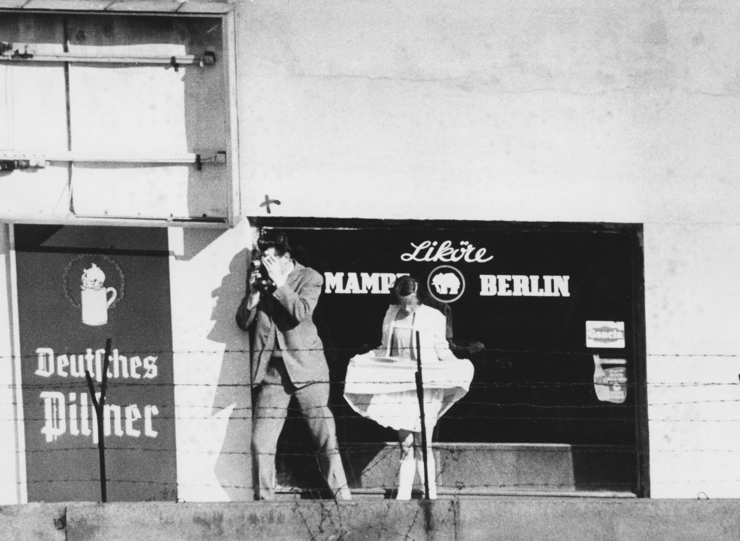 Observers of a possible escape incident in Berlin, 26th of August 1962]. Stasi Records Agency, Berlin, BStU MfS HA I 13255, Bild 0123 10.