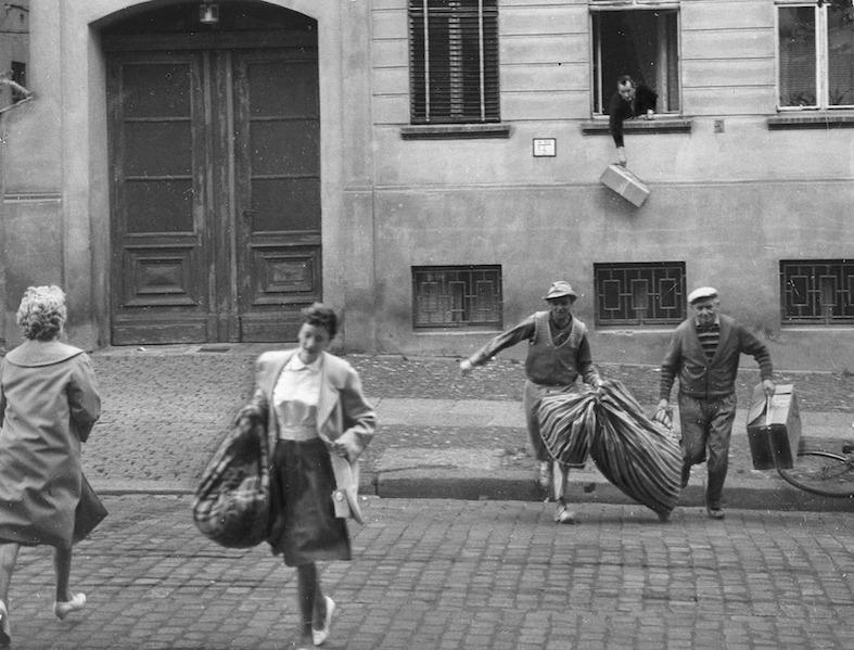 Refugees, GDR, Flight of the Family Holzapfel to the West © ullstein bild-Sakowitz.