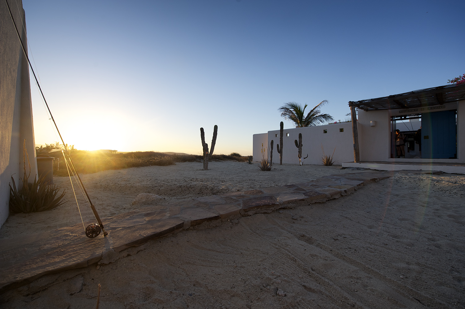 Sunset & House. Punta Colorada