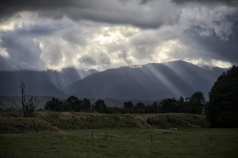 NZ Sun Rays 1.jpg