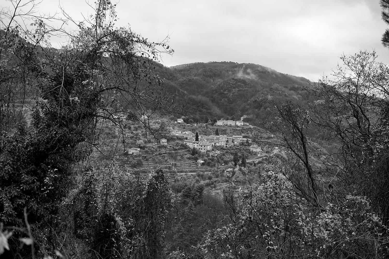 tuscan hill town II bw.jpg