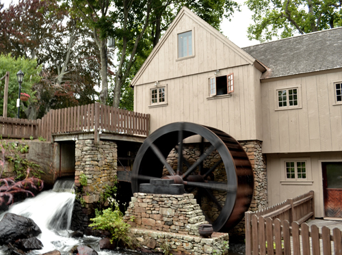 Reproduction of the Plymouth Grist Mill, originally set up by John Jenny in 1636.  The original structure burned in 1837 and was rebuilt in 1970.