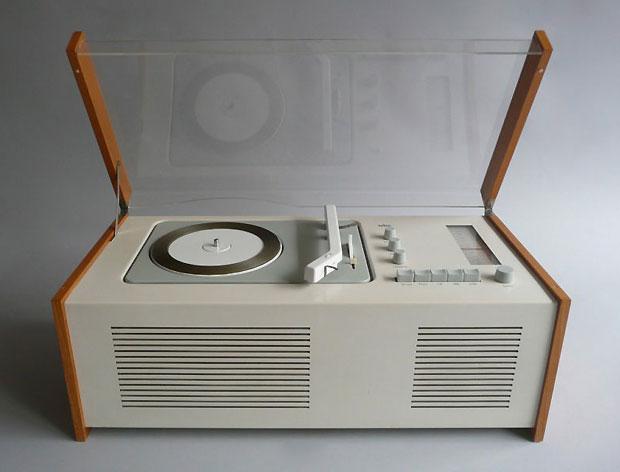 1960_Braun_sk6_radio_record_player_by_DieterRams_HansGugelot.jpg