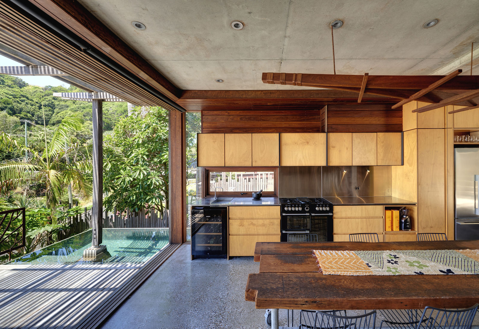 Byron Bay Wategoes Troppo Architects Inside Out Natural Materials Concrete Timber Bespoke Ferniture