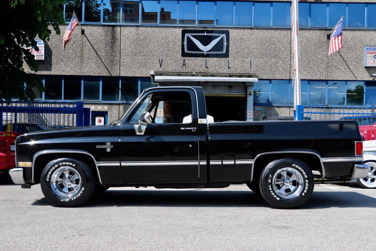 1985 Chevrolet Silverado C10 VALLIstore 04.jpg