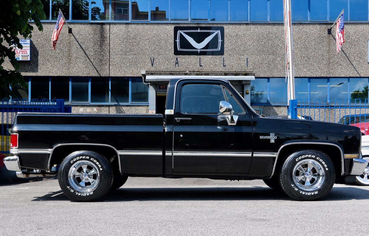 1985 Chevrolet Silverado C10 VALLIstore 05.jpg
