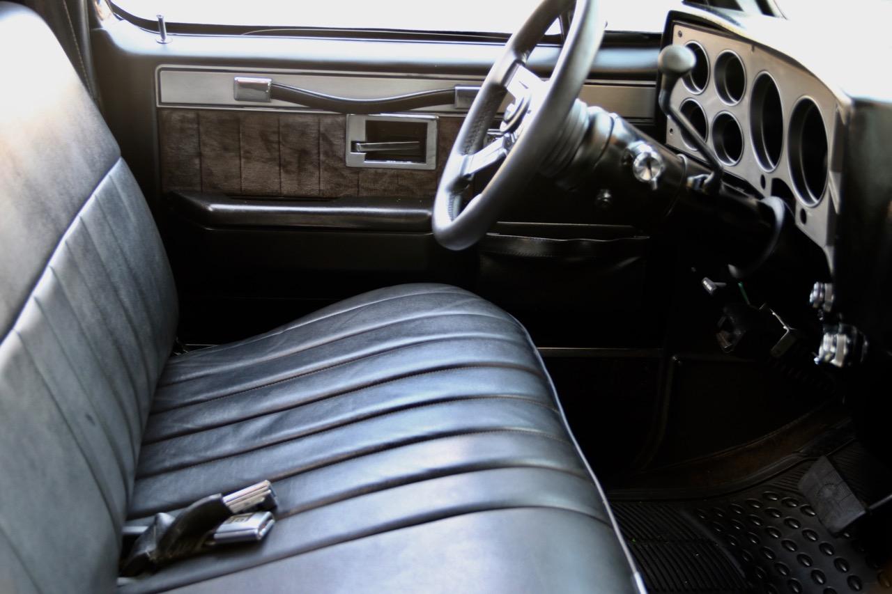 1985 Chevrolet Silverado C10 VALLIstore 24.jpg
