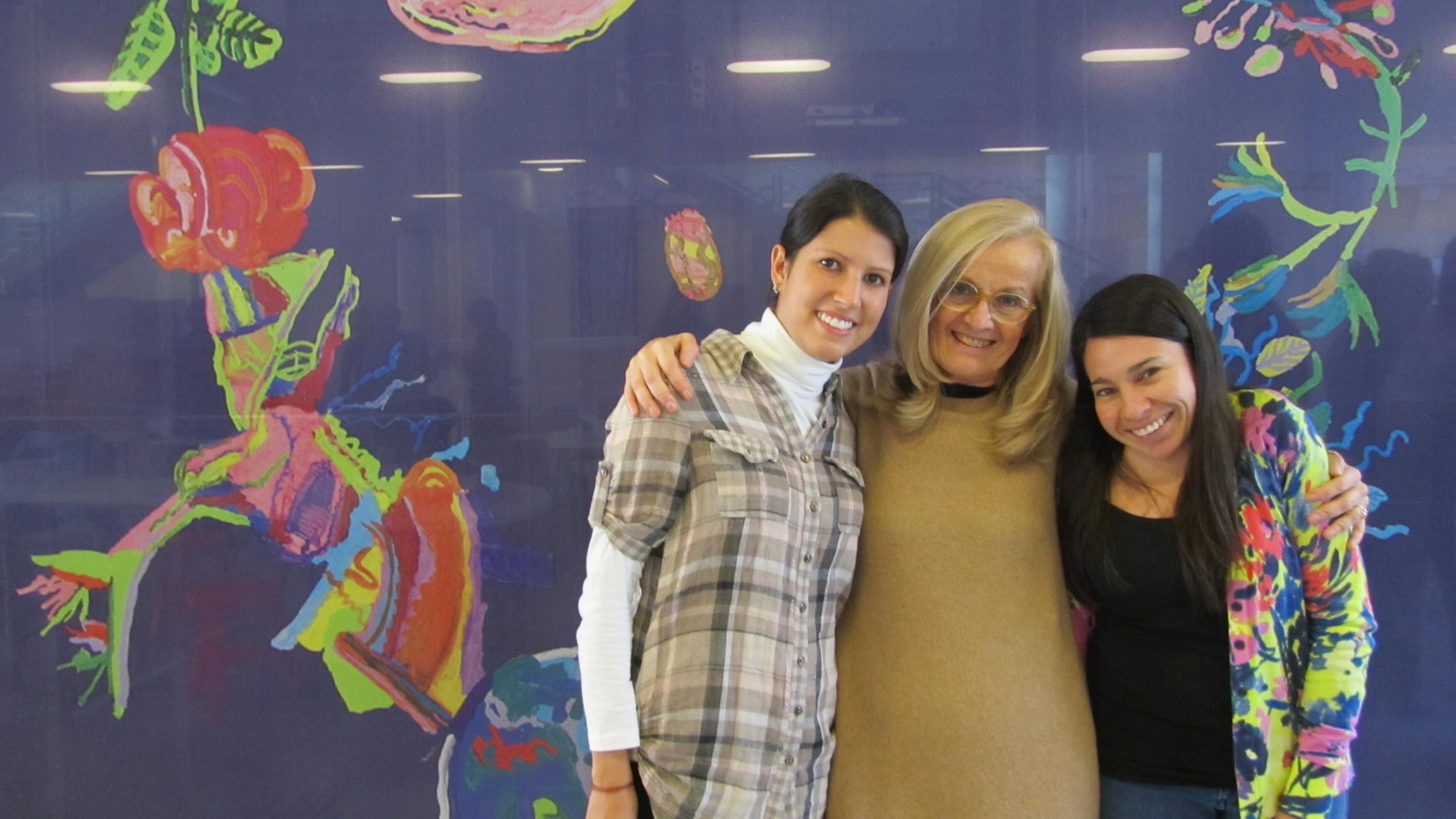 Erika y Carolina con Carla Rinaldi, Presidenta de Reggio Children