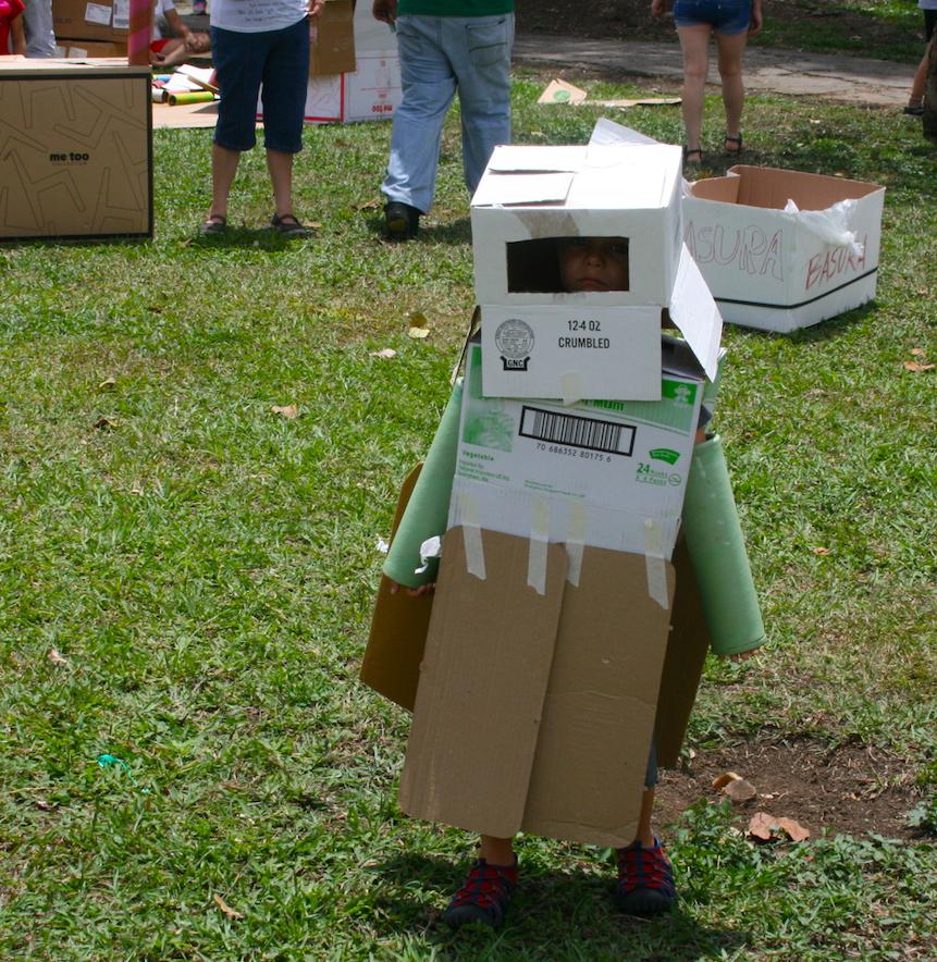 Robot creado por un niño - Pop Up Playground San Sebastián 2015