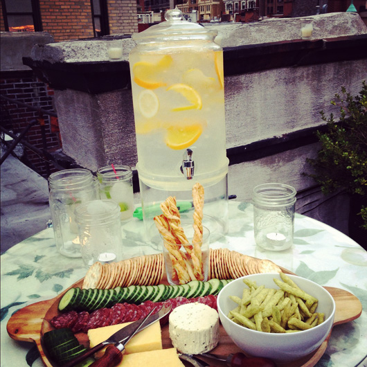 nyc-rooftop-dinner-party-appetizer