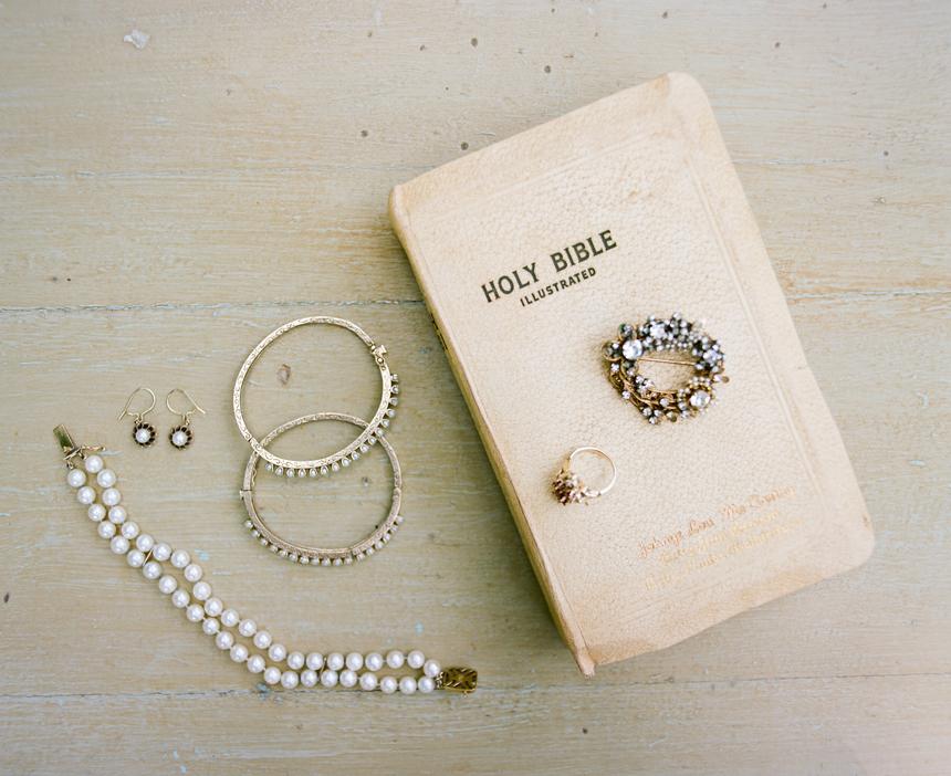 southern-wedding-tradition-white-bible