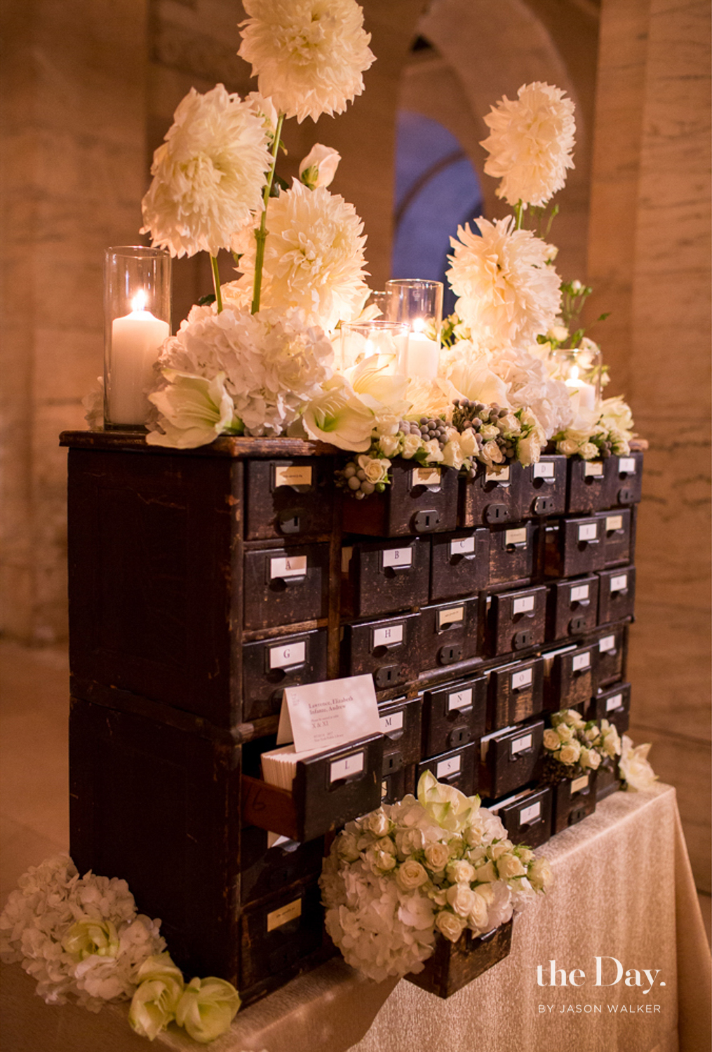 Fourteen-Forty-TheDayCollective-NewYorkPublicLibrary-Wedding-08.jpg