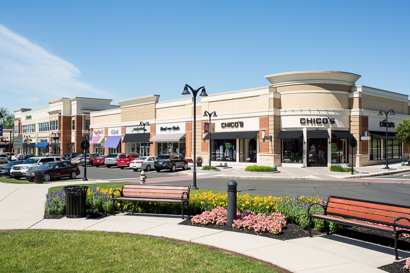 This village-style shopping center invites consumers to make a day of it.