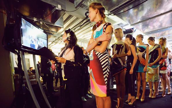 Mary+Katrantzou+Backstage+Spring+Summer+2010+S54FsukeGJrl.jpg