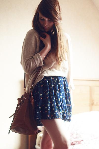 h-m-sweater-primark-bag-chicwish-skirt_400.jpg
