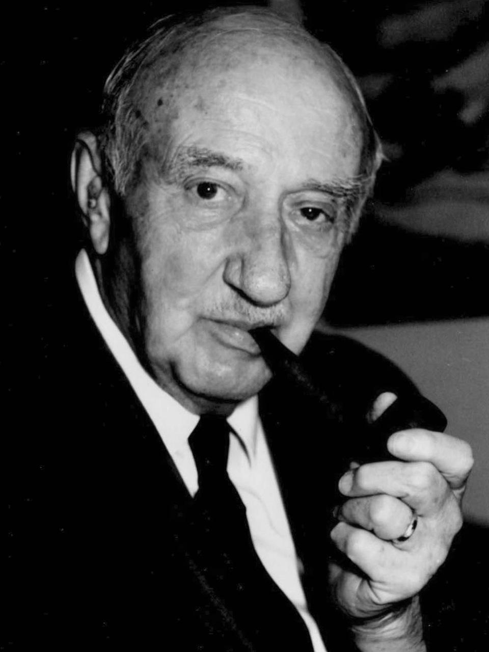 Douglas Tipper