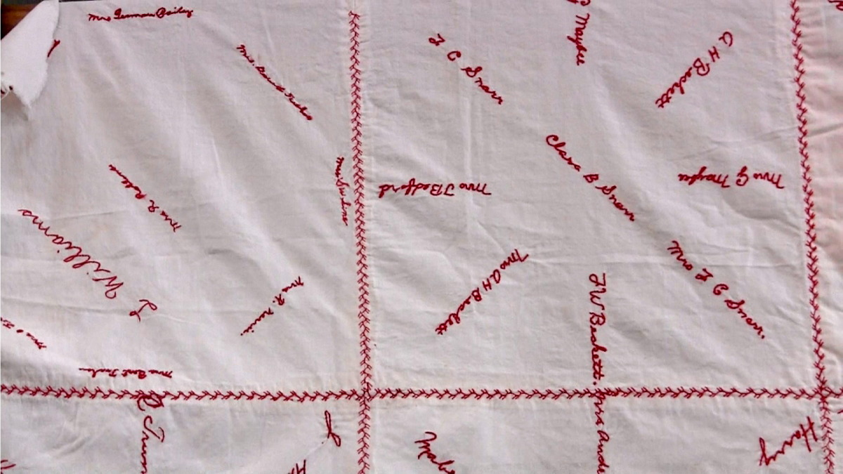 red cross quilt1a.jpg
