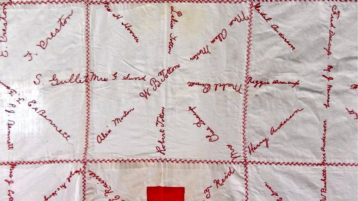 red cross quilt7.jpg