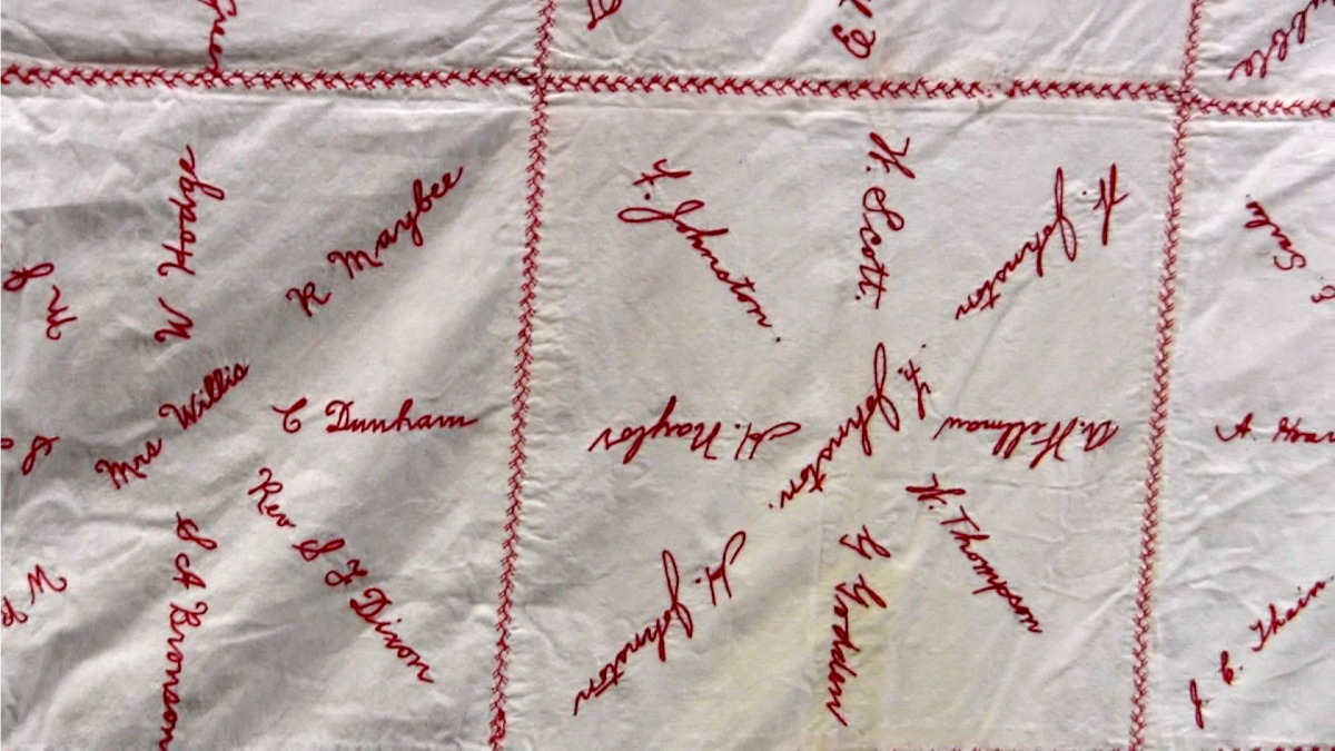 red cross quilt20.jpg