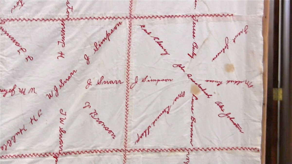 red cross quilt9.jpg