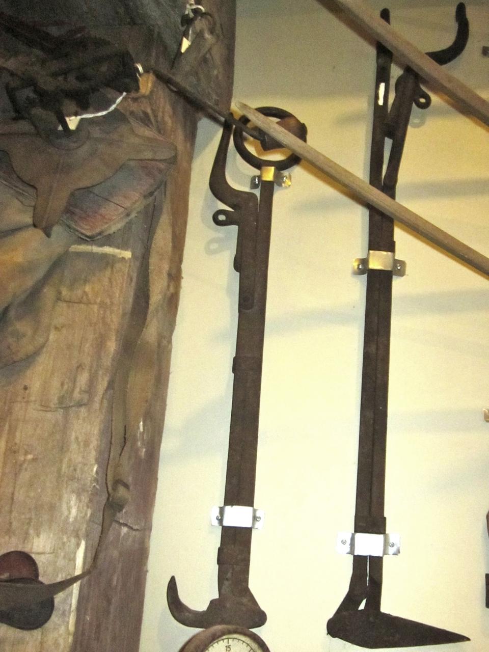 Hay hook or harpoon