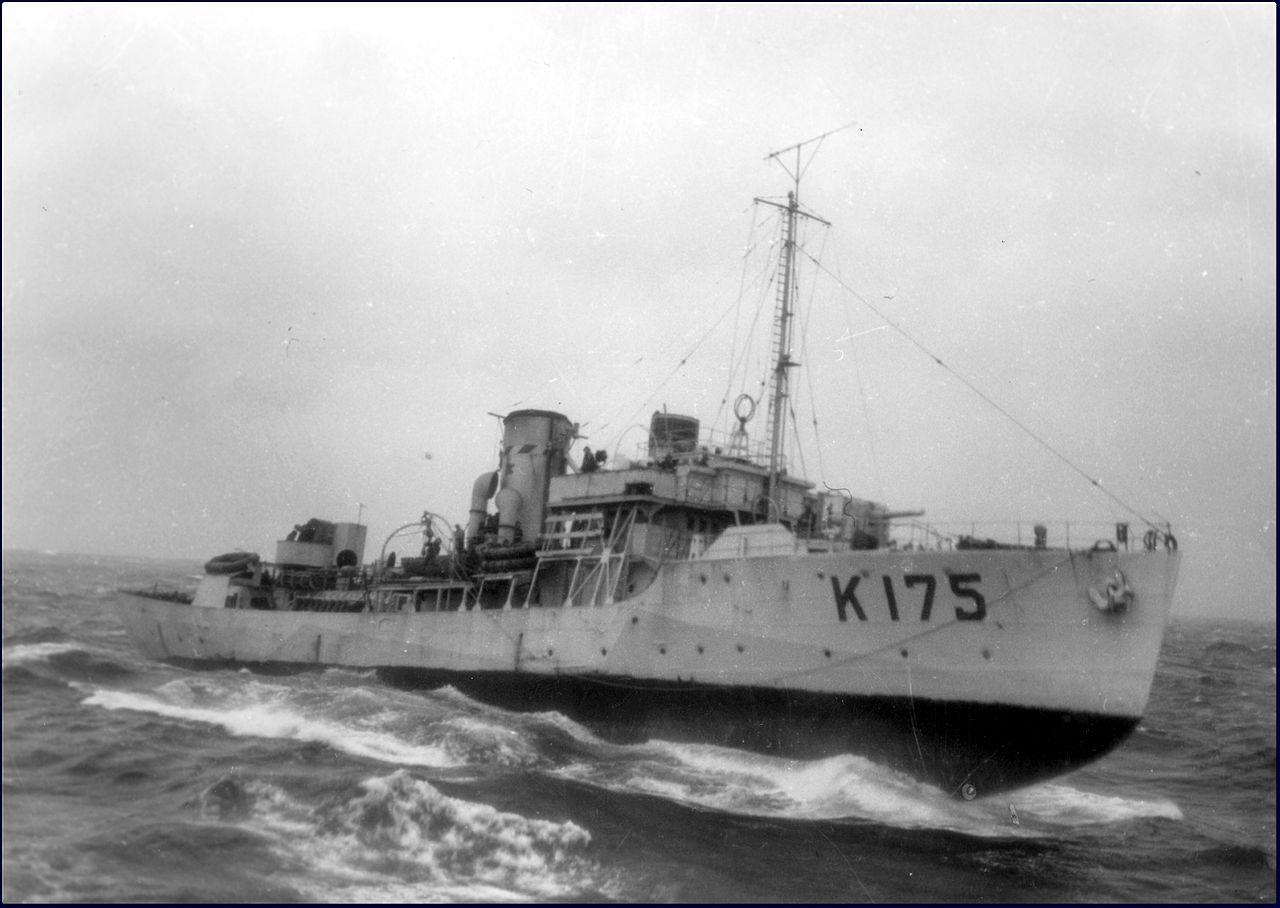 HMCS Wetaskiwin - 1943-1944_MC-3103.jpg