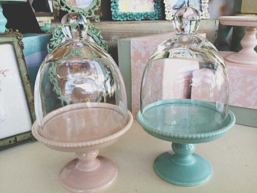 Adorable Cupcake Stands