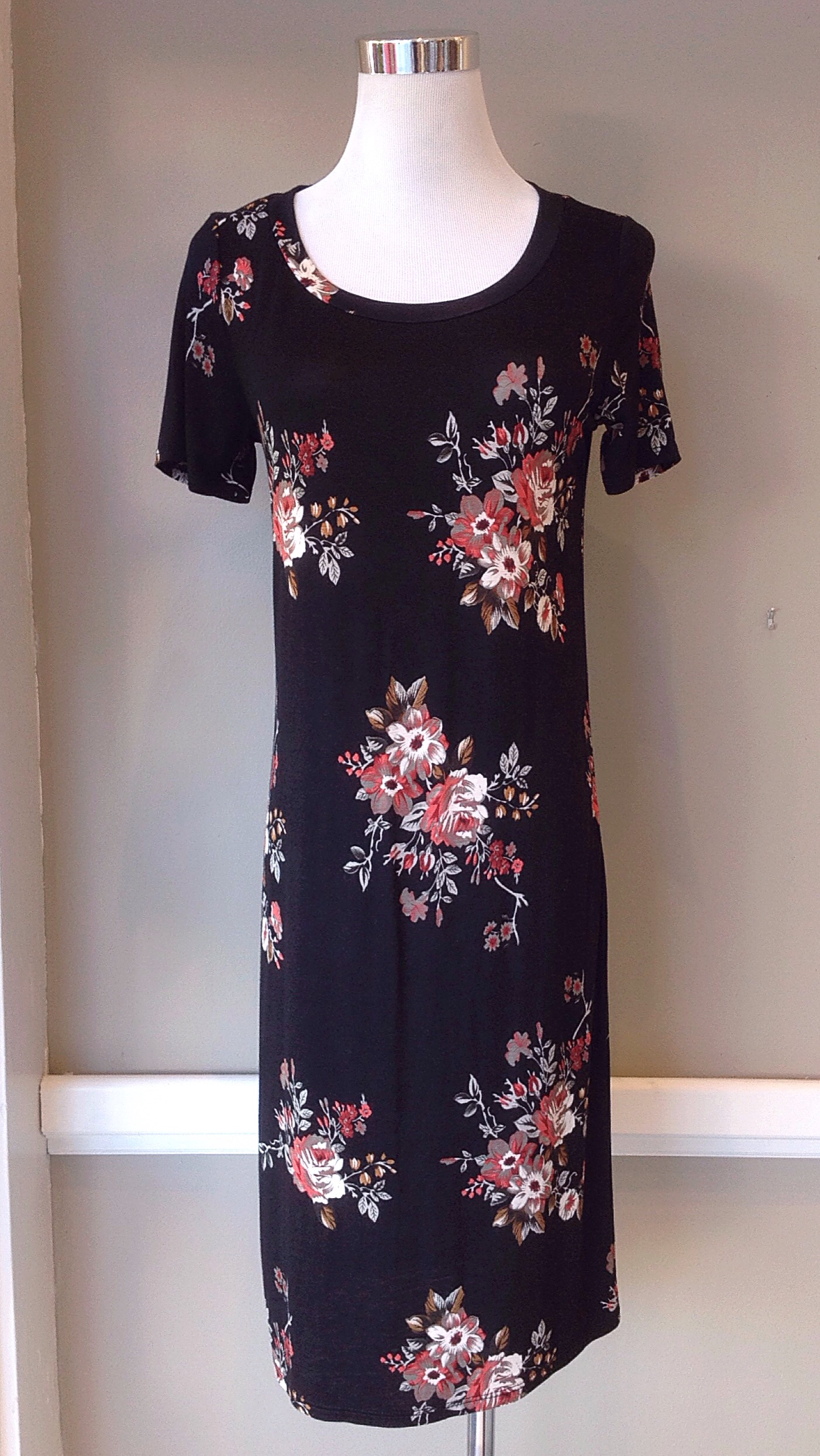 Floral jersey knit midi dress in black/multi, $35