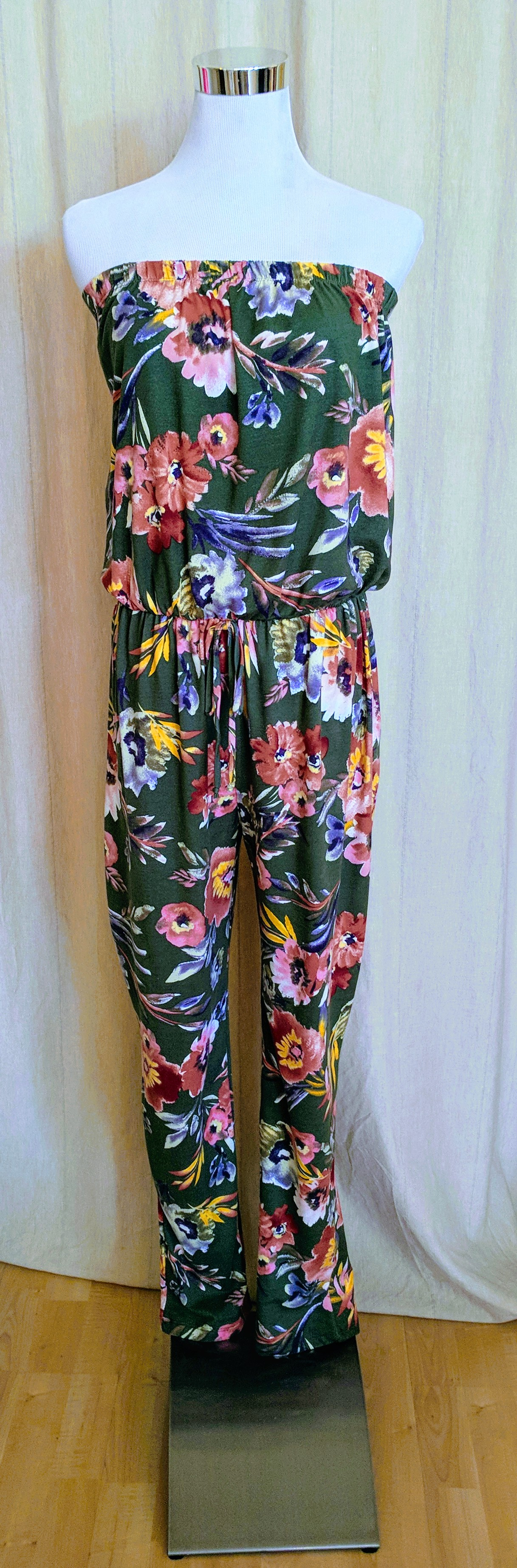 Olive strapless jumpsuit with pockets