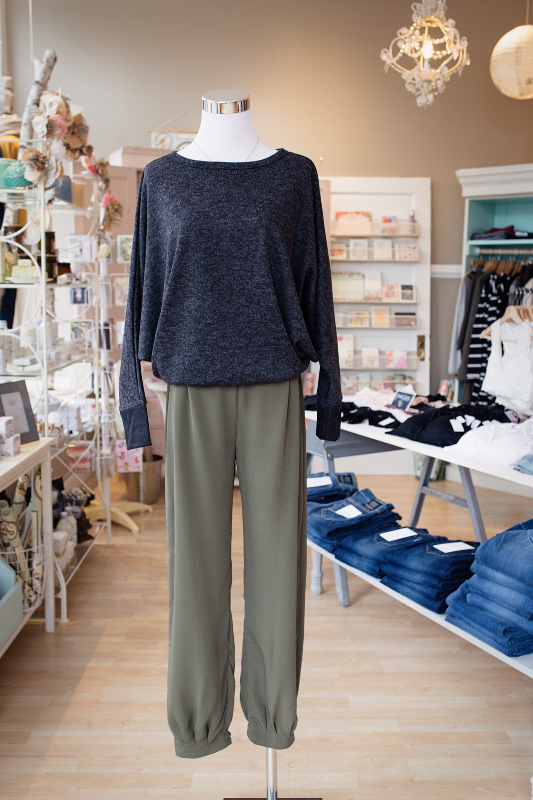 Meadow boutique queen anne seattle - yuliya rae photography-9.jpg
