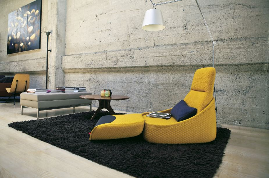The Hosu chair seat pad flips over to convert into a foot rest. And... relax.