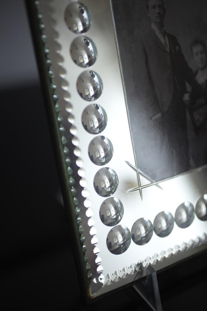 B&T Antiques 8995.jpg