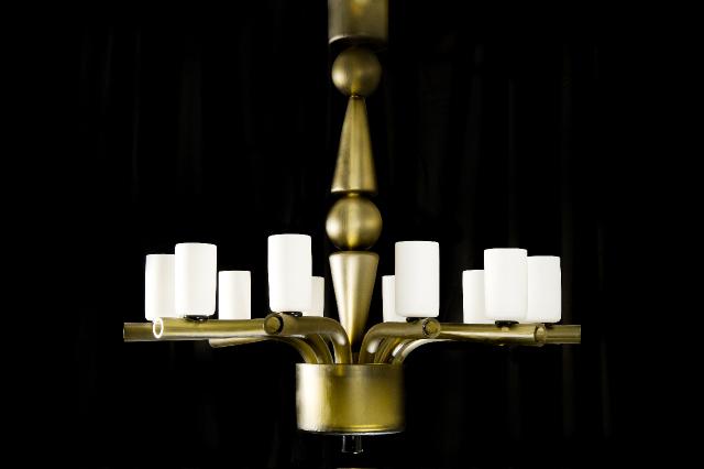 Balustrade chandelier.jpg