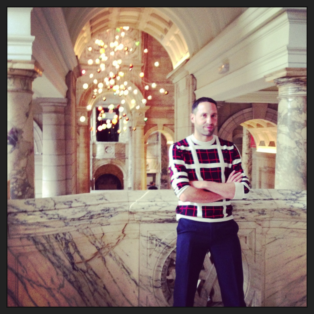 The man himself, Omer Arbel, in front of his creation. I snapped this while he was posing for someone else.