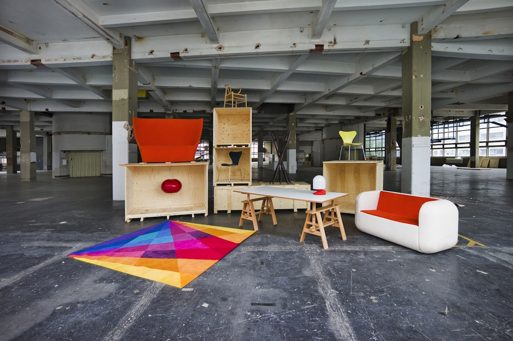 Design Junction was set up for four days during LDF at the enormous, industrial and atmospheric Old Postal Sorting Office on Oxford Street. These pictures show what it looked like before everyone arrived.