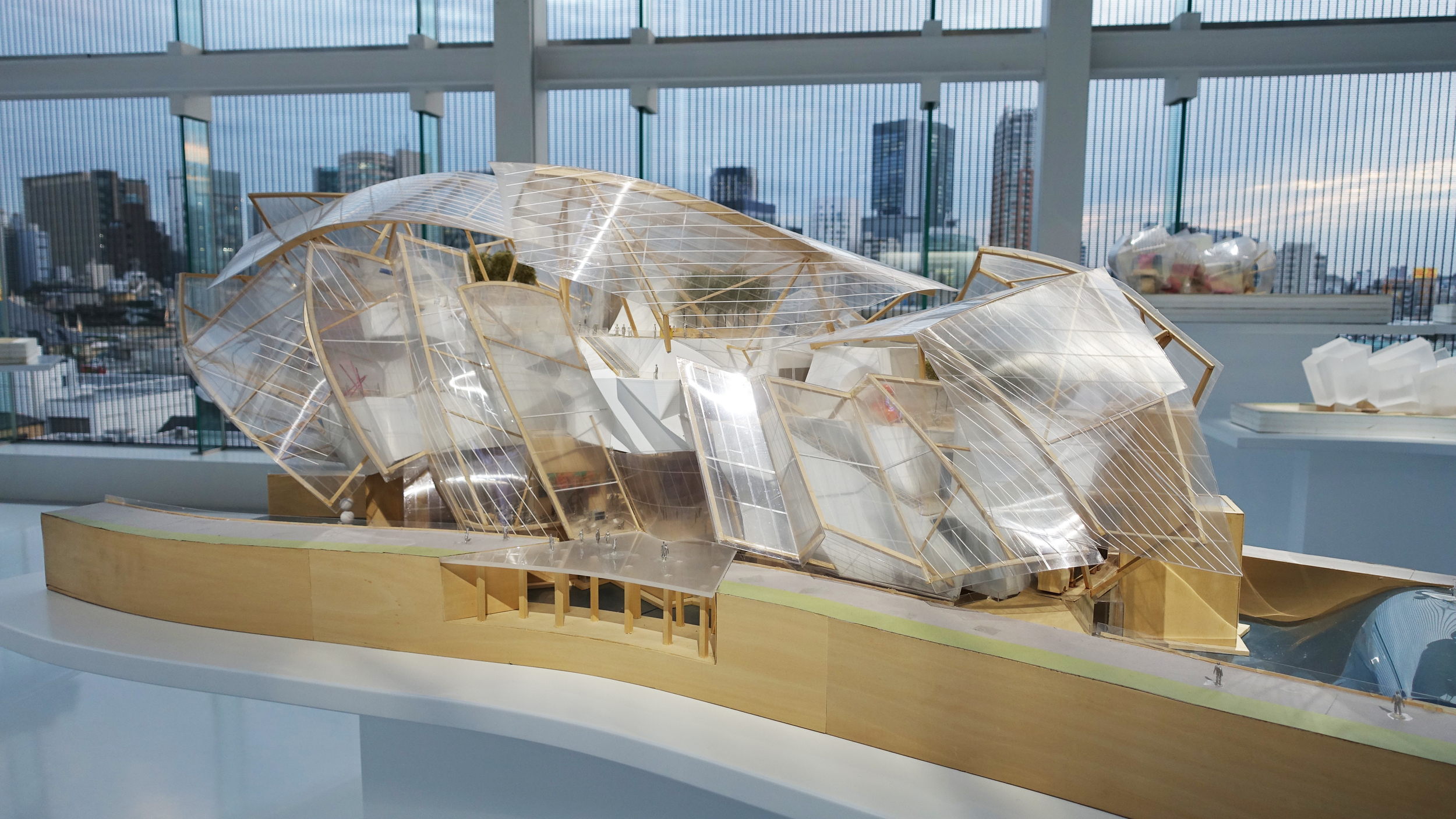 Model of Fondation Louis Vuitton at Espace in Tokyo.jpg