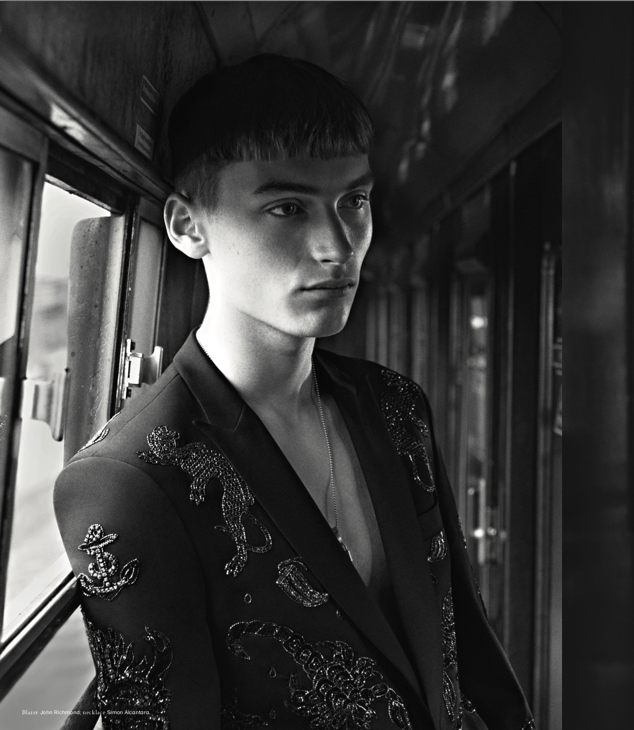 L'UOMO VOUGE APRIL 2019 ISSUE, PHOTOGRAPHY BY ANDREAS LARSSON, STYLED BY JULIE RAGOLIA.STERLING SILVER LOCK AND RINGS NECKLACEBY SIMON ALCANTARA