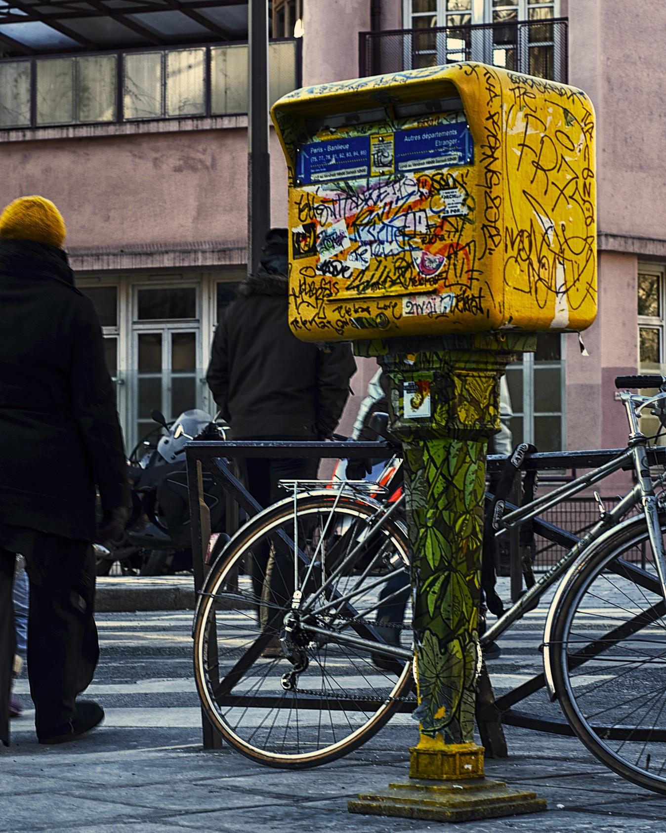 post box graffiti in paris.jpg