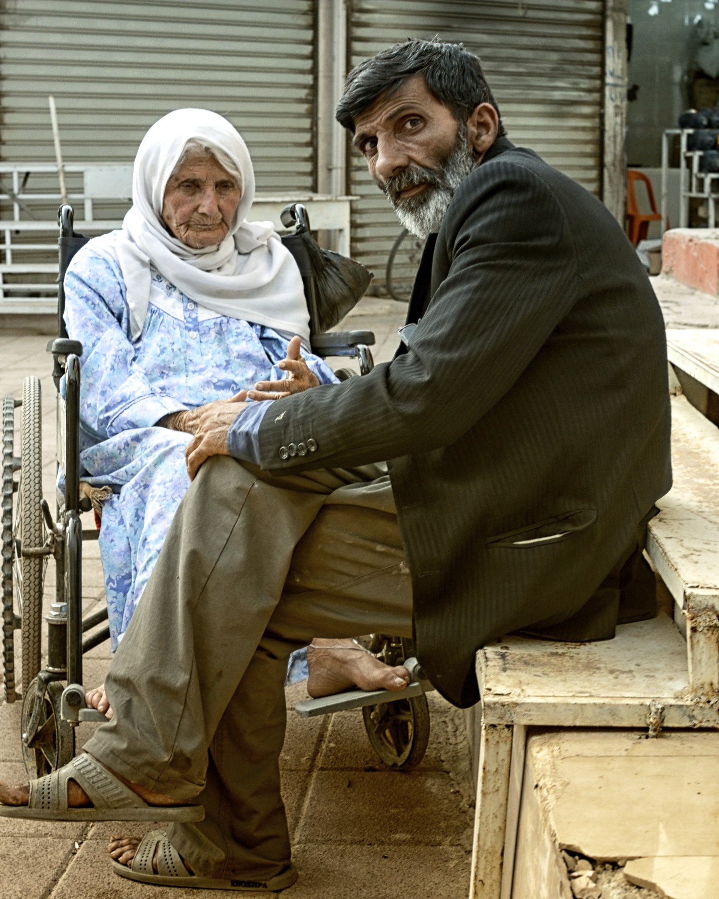 pensioners looking on in erbil.jpg