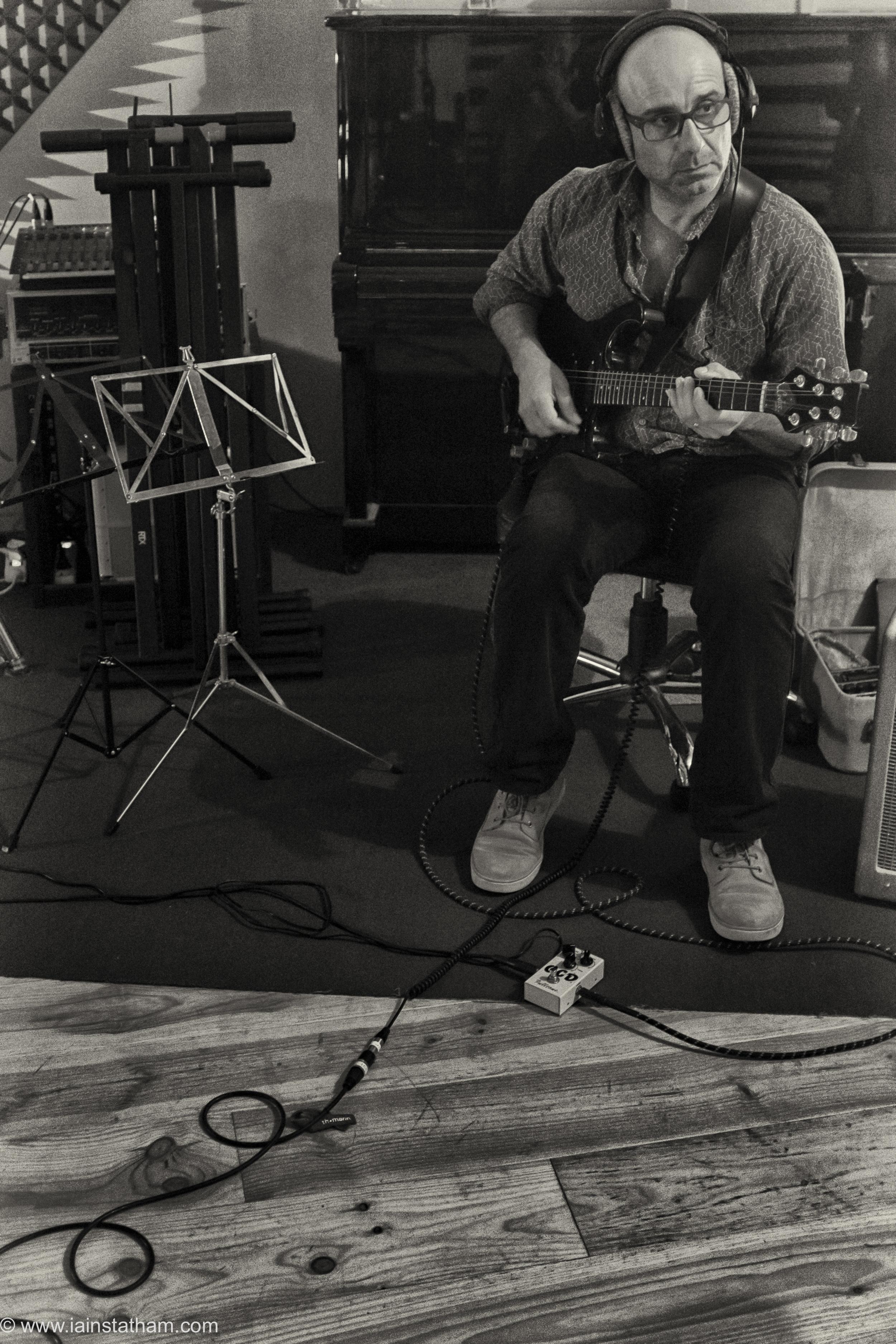 fr - music - mahognay - studio - bw - august 15-5.jpg